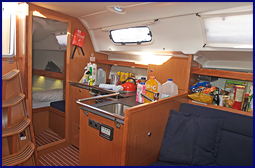 3370-Bavaria_35_Galley_Aft.jpg