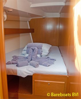869-Beneteau_50_Forward_Port_Cabin.jpg
