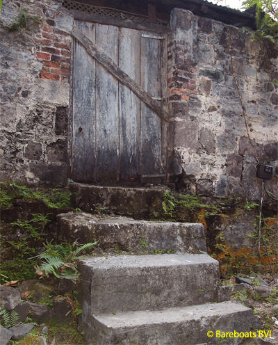 To_Callwood_Distillery_Door
